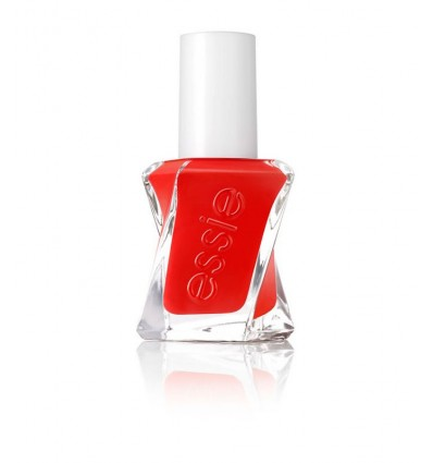 essie-gel-couture-nuance-douce-260-flashed